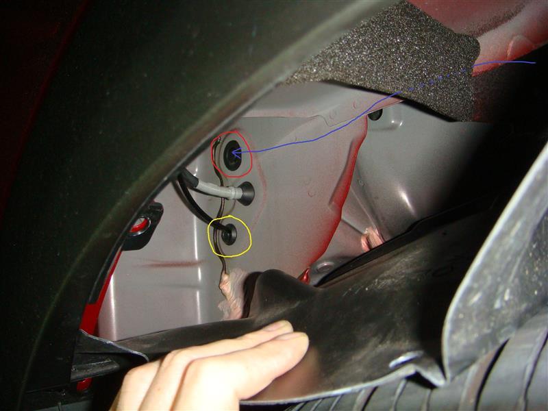 エンジンルームから車内への引き込みかた