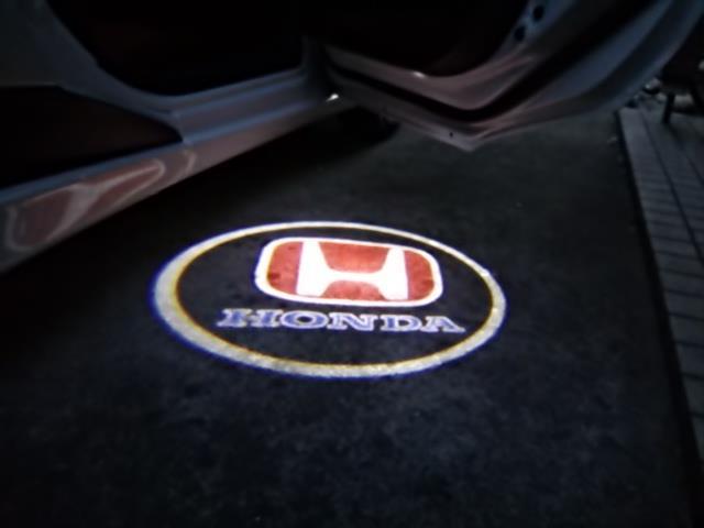 カーテシランプ取り付け(LEDレーザーロゴ:HONDA)