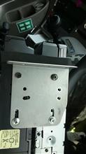 久遠 (クオン) 同僚の車にもサイバーナビ取付け作業(AVIC-VH099G)のカスタム手順2