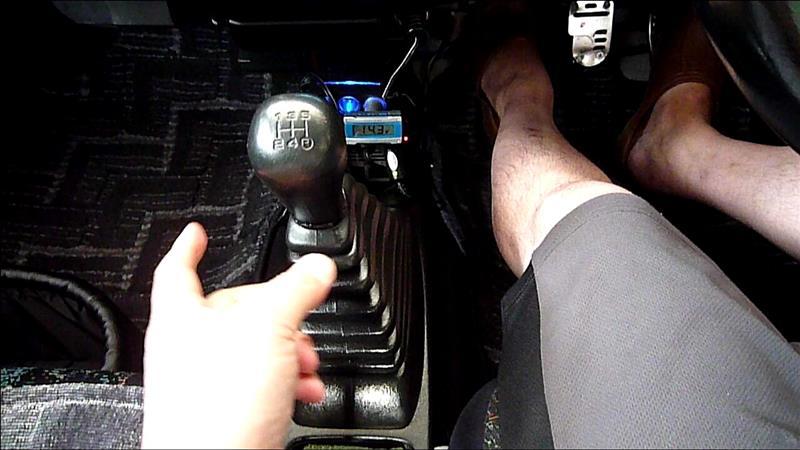 運転中に マニュアル シフトノブが横にグラグラ状態に(‥?) 整備完了した(o^-')b。。。