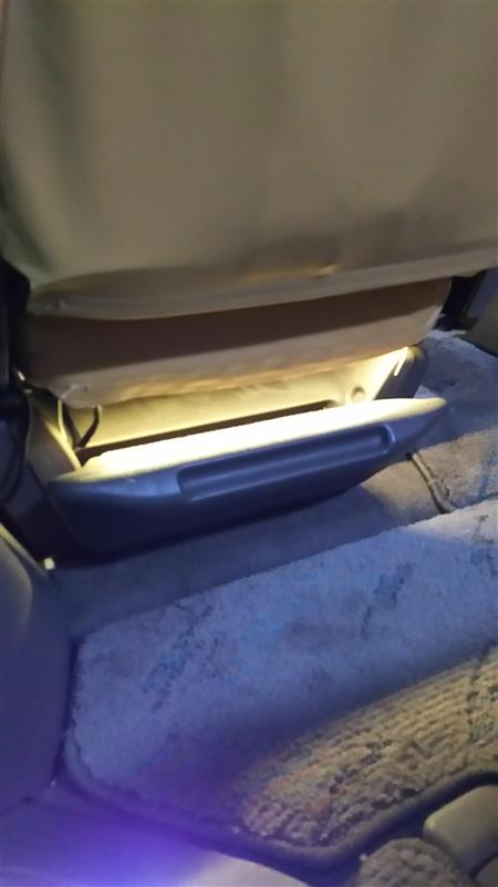 オットマン残照LED&アルファード風ピラー照明