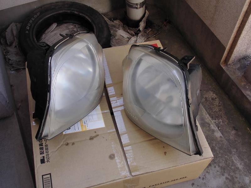 ヘッドライトウレタンクリア塗装