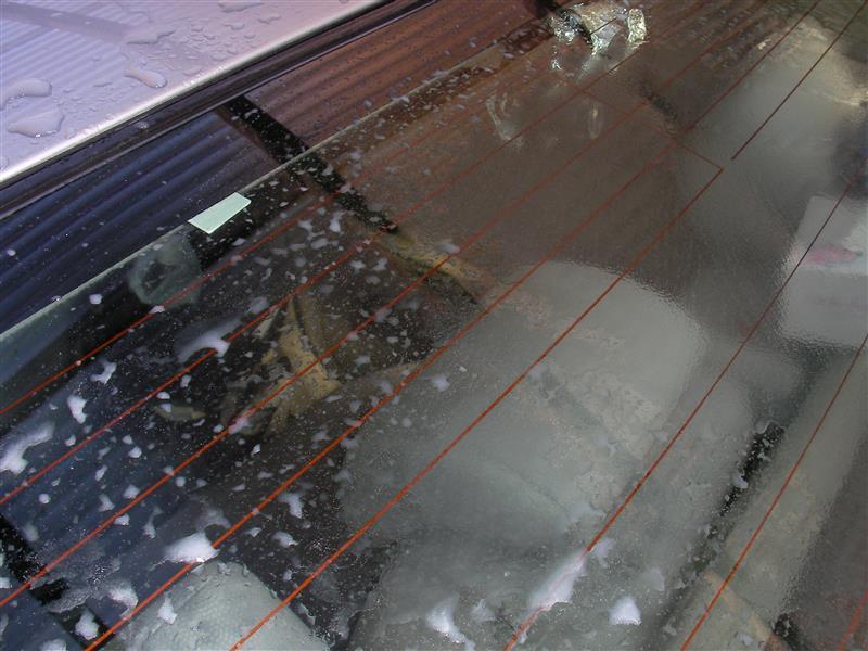 リアウインドウ等の親水ガラスコーティング