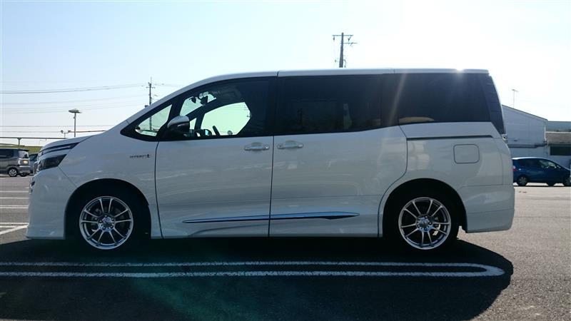 ついに出た! VOXY HYBRID 特別仕様車! その名は「ときめき」!?