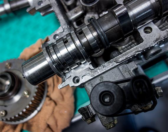 EJ20Y カム レガシィ エンジンヘッド