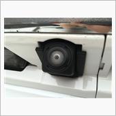 <Before①><br /> <br /> 白内障?<br /> <br /> バックカメラレンズ周りの透明樹脂パーツが白濁化してしまっています。<br /> <br /> 保証対応でバックカメラユニット交換となりました。