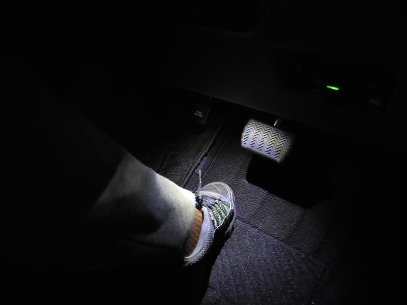 フットランプ 純正交換用 LEDインナーランプへ交換