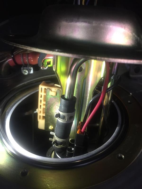 燃料タンク内の錆び点検