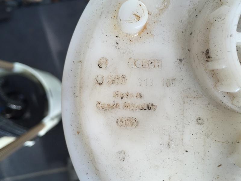 フューエルポンプガソリン漏れ