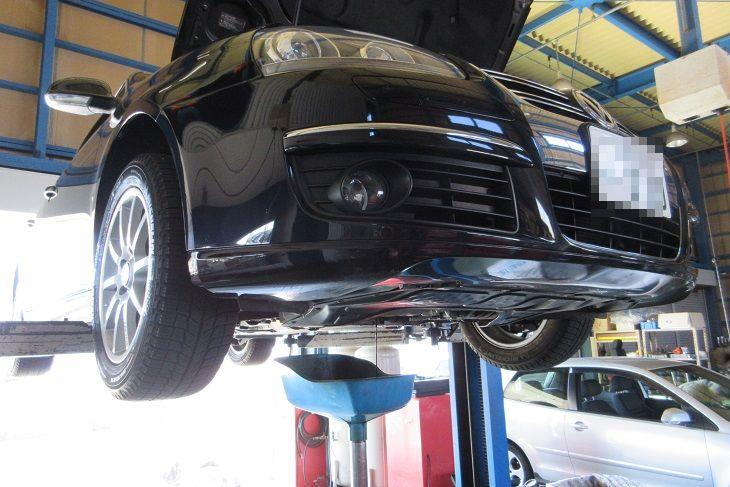 メンテナンスは大事...VW JETTA エンジンオイル交換 FUCHS C3