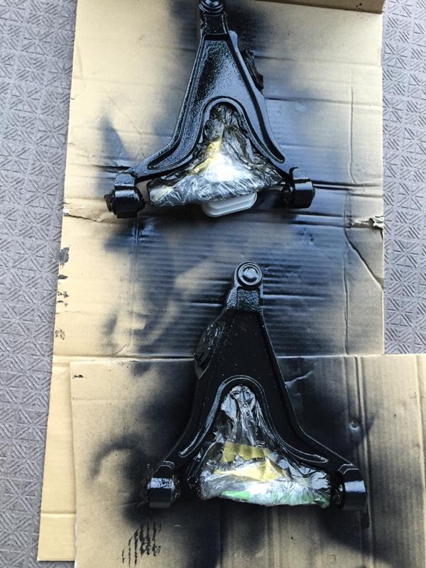 ロアアーム、防錆び塗装。