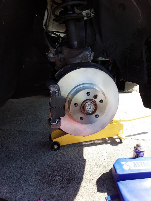 フロントブレーキパッド・ローター・センサー交換
