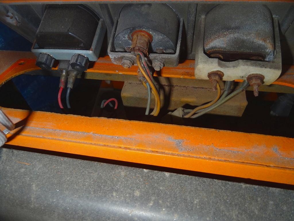 フォークリフト(2FG-9) プラグコード交換とガソリンレベルレジスタの軽整備