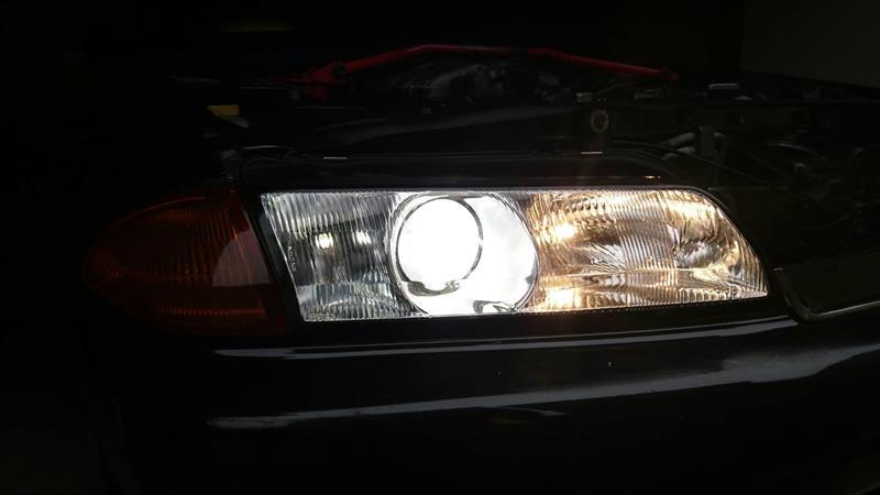 プロジェクターヘッドライトのHiビーム時のみ4灯化加工