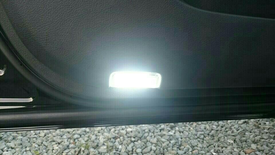 LEDカーテシランプ