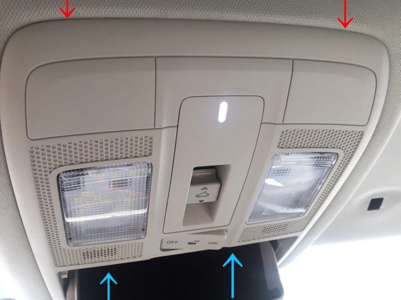 マツダ(純正) 後期型BMアクセラ オーバーヘッドコンソールLEDダウンライト付きへ交換