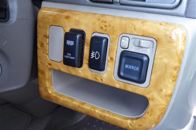 トヨタ車用スイッチをホンダ車(RF3)で使う (レジンで作ろう)
