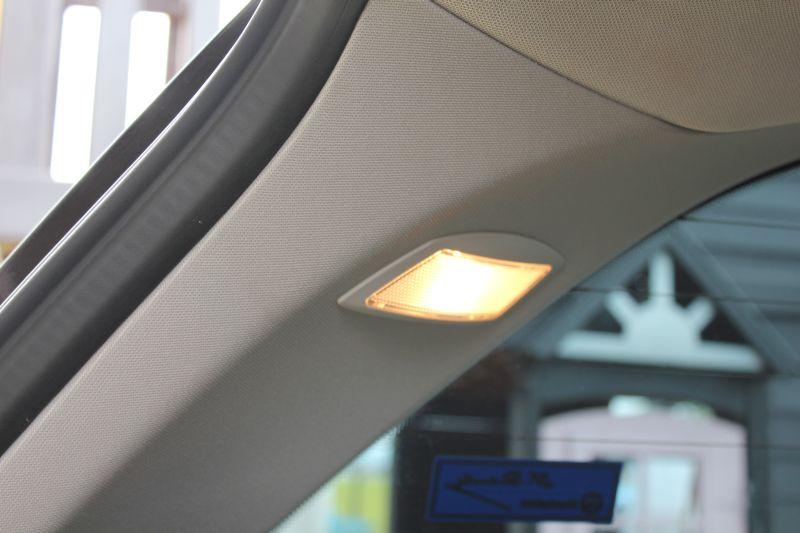 室内照明LED化①トランク、リヤゲート