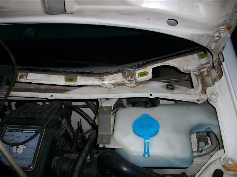 左側 フロントフェンダー の交換・修理 ②