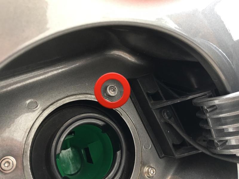 給油口ネジのアルミ化