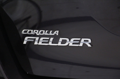 歴史を積み重ねてきたカローラ トヨタ・カローラフィールダーハイブリットのガラスコーティング【リボルト