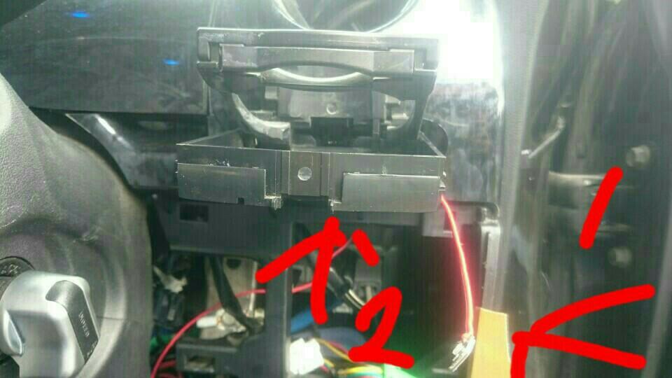 洗車!!&スライドドアパワーウインドウ修理&ドリンクホルダーLED手直し!