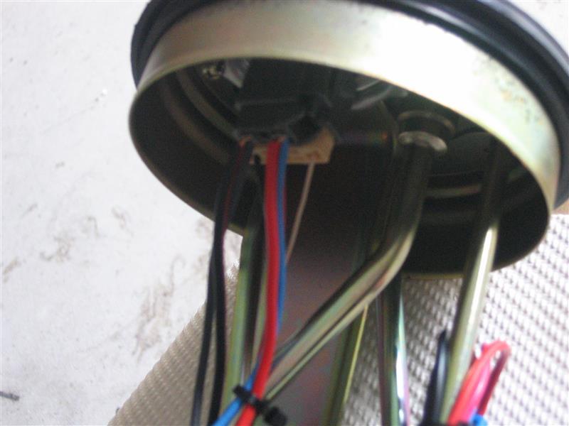 ワルボロ High Performance 450LPHポンプ取付