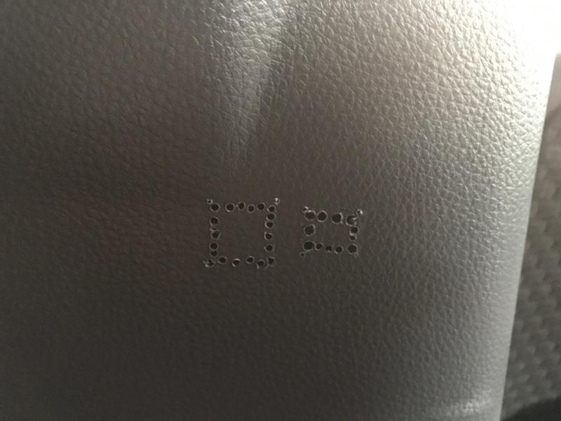 ワゴンRにトヨタ純正シートベルトハンガー取り付け