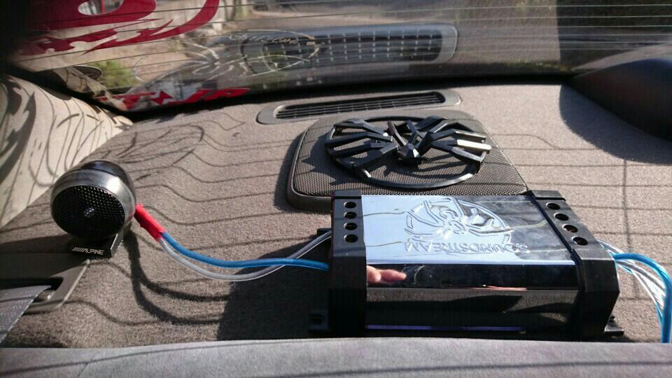 アンプ取り付け+スピーカー配線