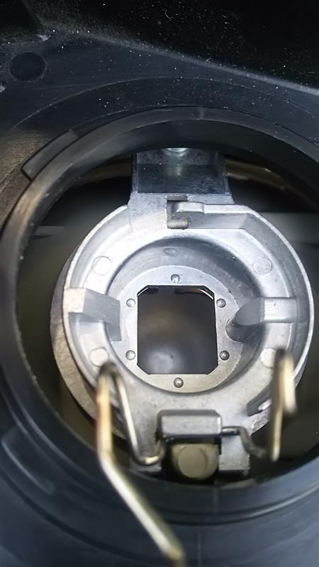 スフィアLED H3 H4 交換 (前半)