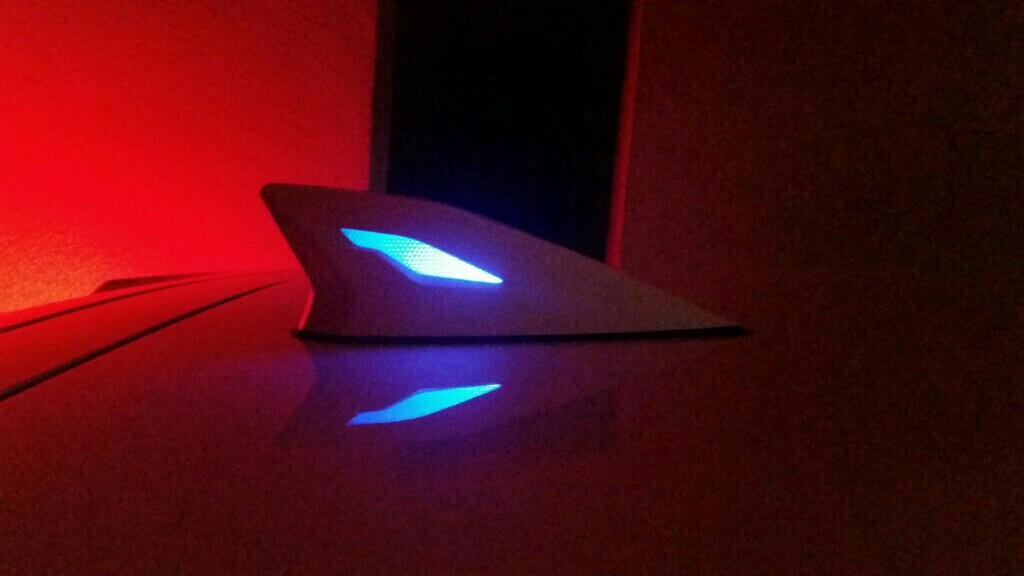 モデリスタ LEDトップノットアンテナ
