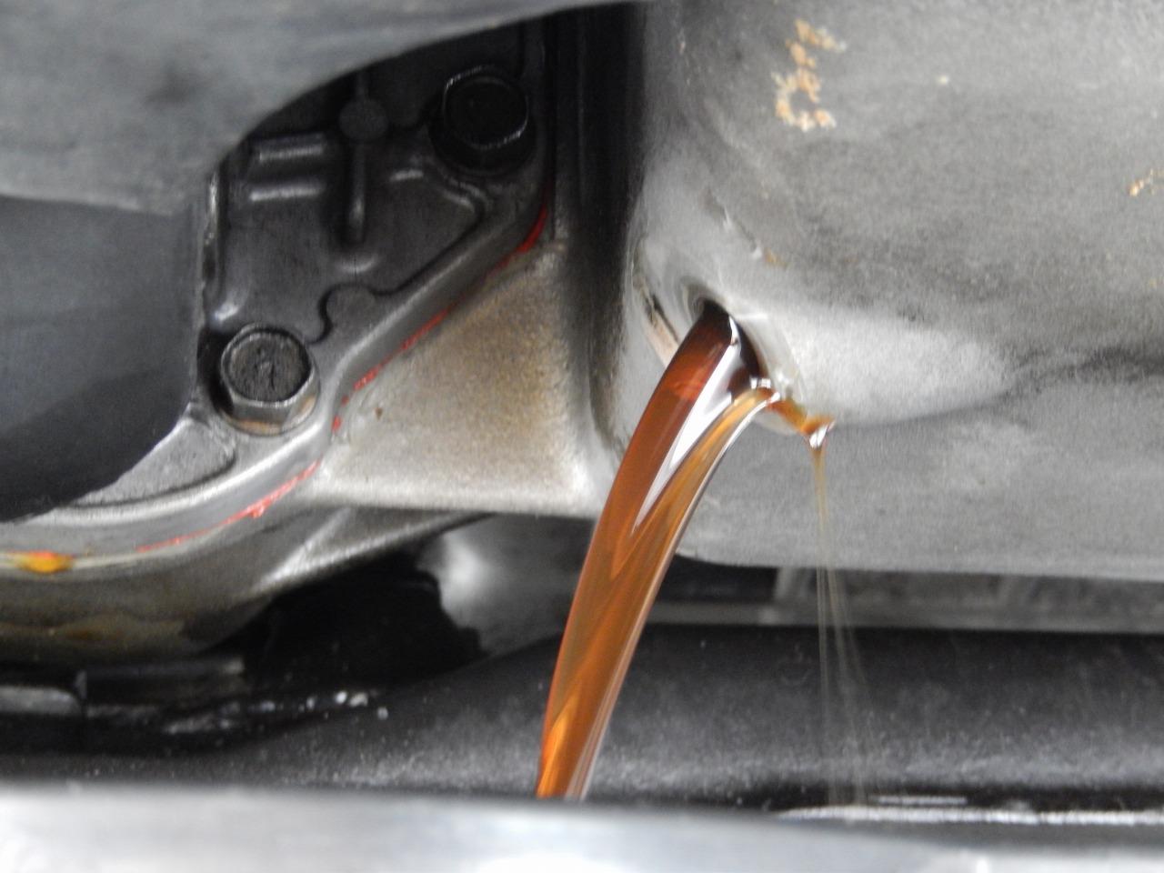 56回目のエンジンオイル交換&湿気取りも交換
