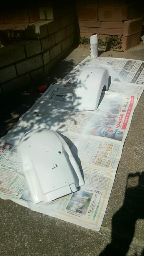 フロントリヤフェンダーヒビと塗装剥がれ修理