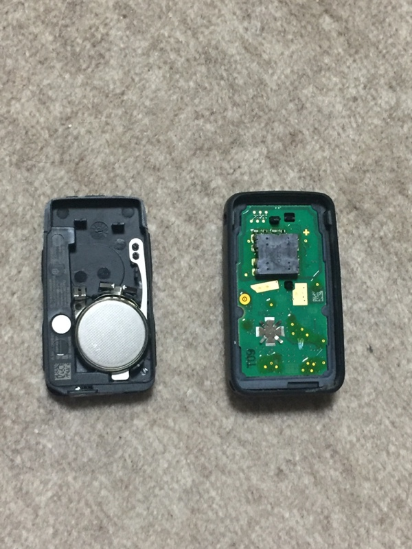 リモートコントロールキーの電池交換