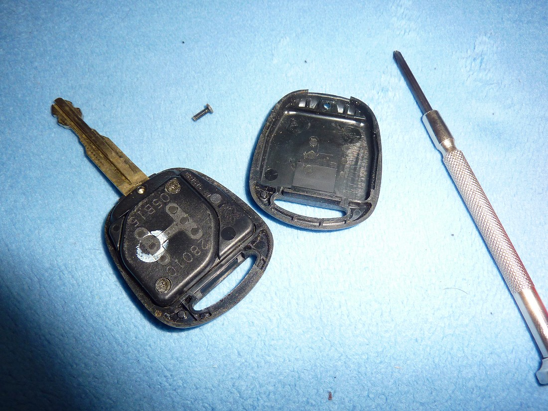 エスちゃん リモコンドアロックキー 電池交換