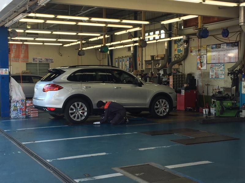 タイヤローテーション&フロントガラス撥水加工