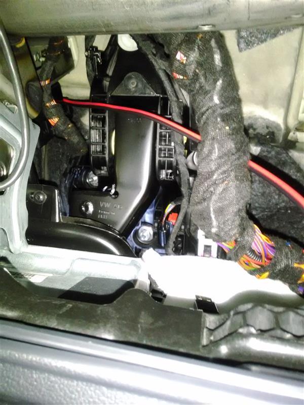 運転席側にUSB電源を増設
