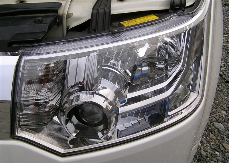 デリカD5 ヘッドライトレンズのメンテナンス(重複のため、こっちは後で削除します…)