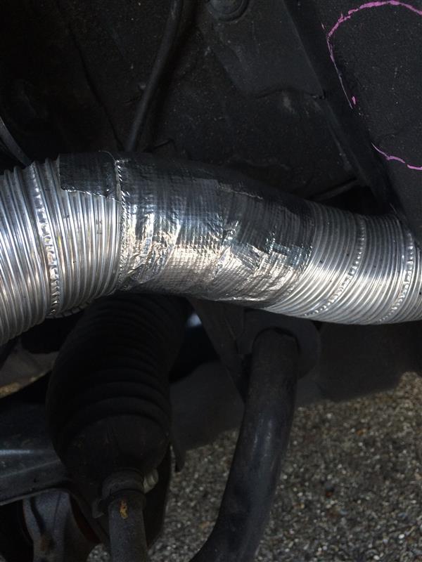フロントブレーキ冷却ダクト補修