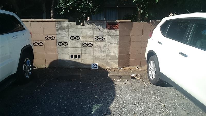 ブロック塀の塗装 駐車場側