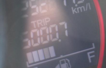 オイル交換… 新車6カ月点検(または5000kmのいずれか早い方)ではなく