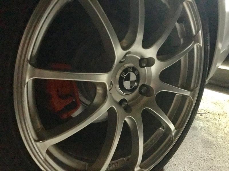 BMW E90 ホイールキャップ交換