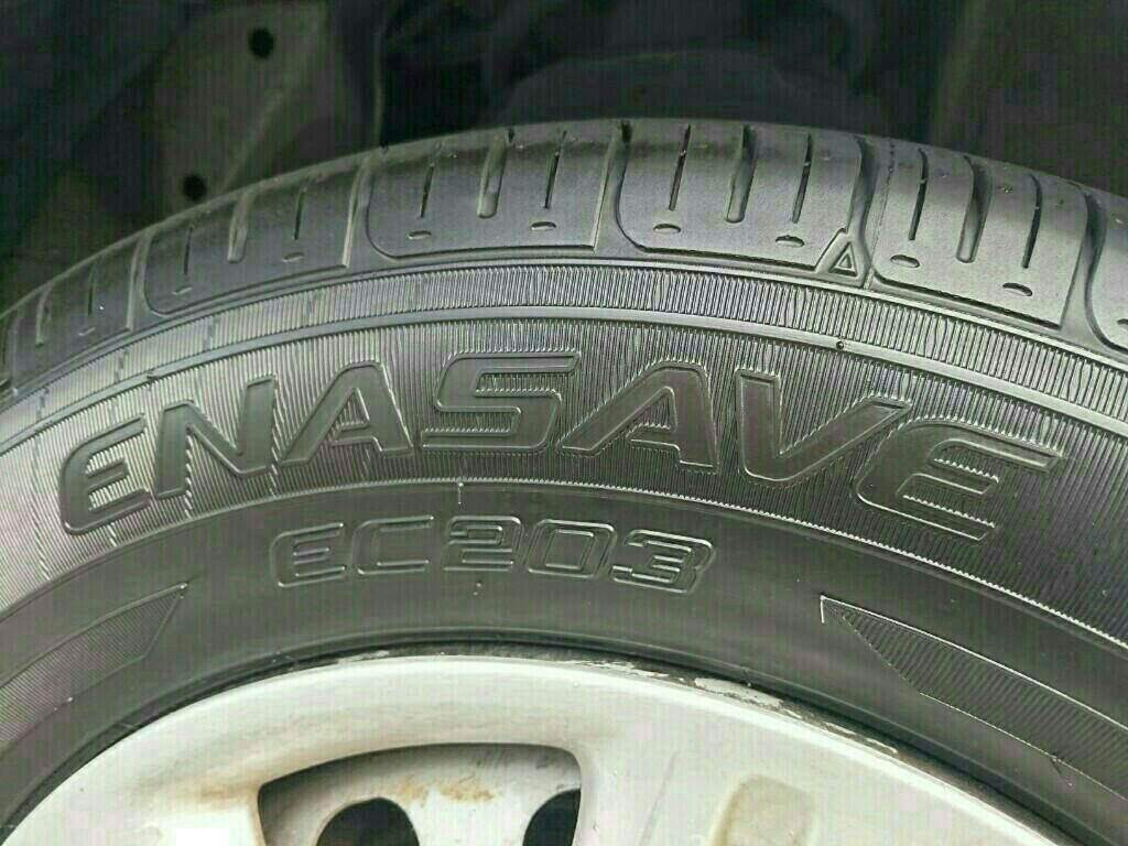 タイヤ交換  ついでにワイパーブレード交換
