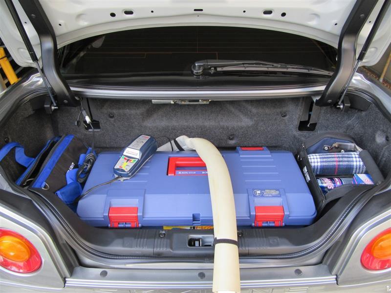 荷物を戻して充電器の動作確認も行います、問題ありませんでした。