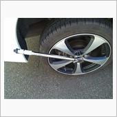 ◆ホイールナットを緩めて取り、<br /> タイヤを外す!