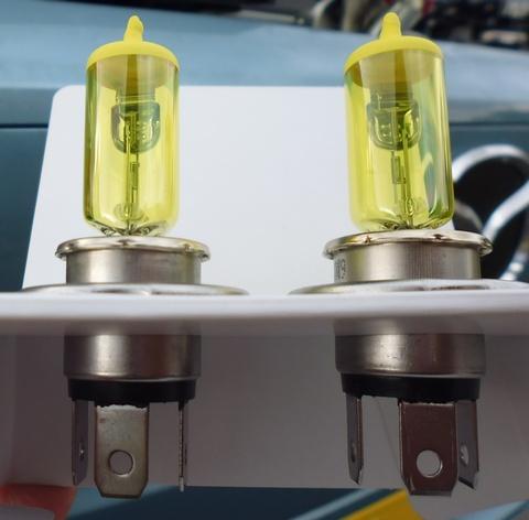ヘッドライト ( 黄色 ) バルブ交換