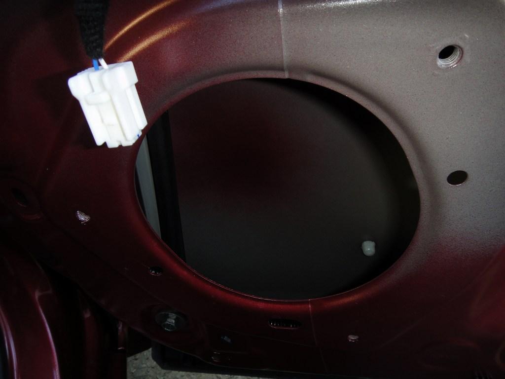 【C27】ドア内装~スピーカー取り外し方法②