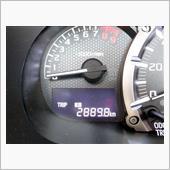 前回交換から2889.8㎞走行。<br /> <br /> メーカー推奨は、5000㎞または半年毎となっていますが、既に9カ月が経過…。(^^;<br /> <br /> 約3000㎞って事で交換します。
