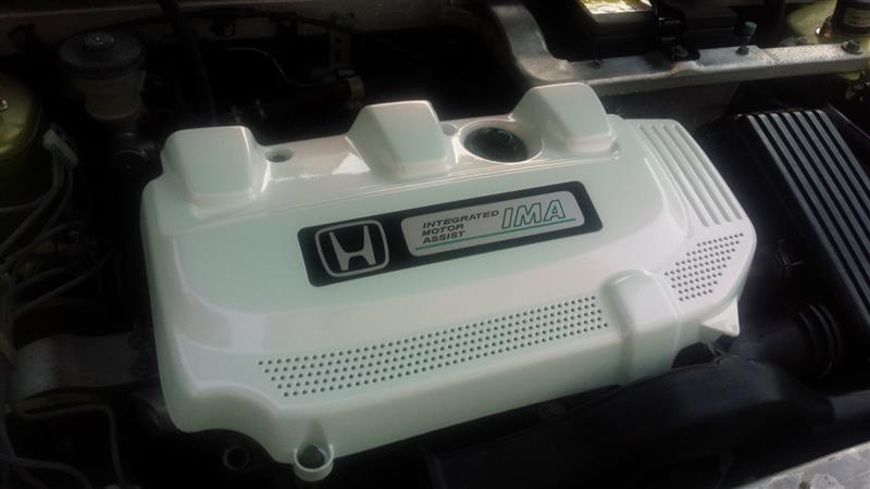エンジンカバー パールホワイト塗装