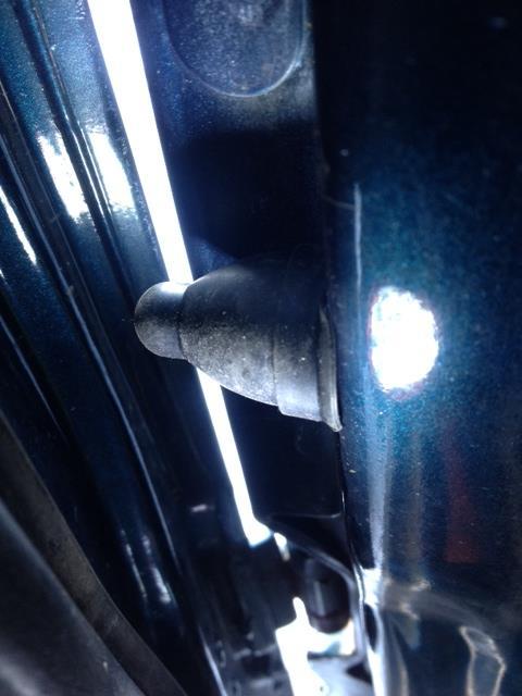 助手席側ドアスイッチ新規取り付け